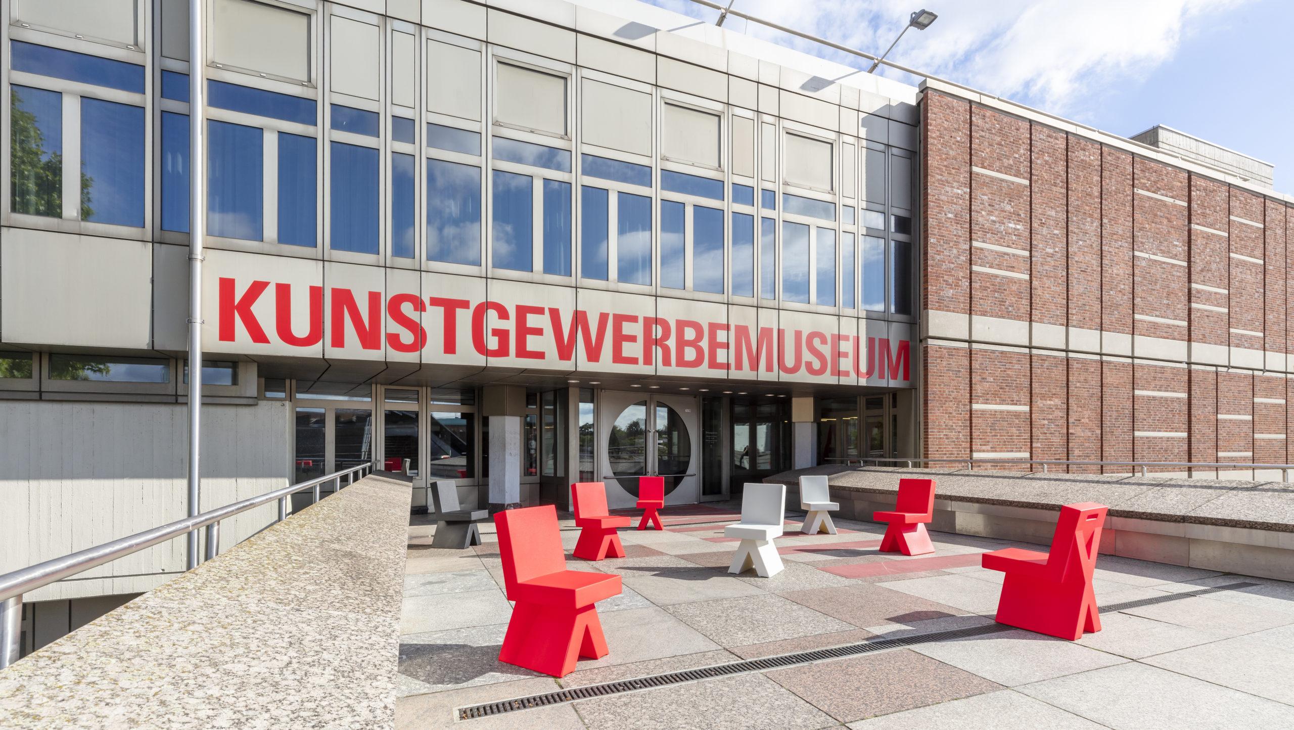 Kunstgewerbemuseum Berlin, Ausstellung Atmoism, Hermann August Weizenegger, X-Chair